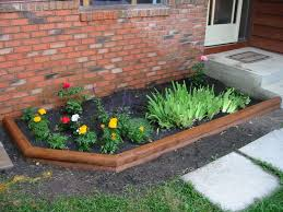 Simple Small Garden With Flower Bed Ideas