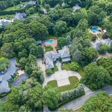 Jordan belfort was born into a jewish family on july 9 1962, in new york city in the united states. The Wolf Of Wall Street House Lists For 3 4m Cottages Gardens