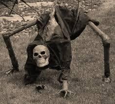 HALLOWEEN YARD DECORATION creepy crawling skeleton