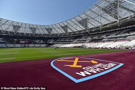 Full tour of the london stadium! West Ham Squad Are Training In Full Kit At Empty London Stadium Daily Mail Online