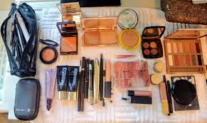 the first thing daisy does is set up all her makeup supplies on the kitchen counter so everything is neat tidy easy to see and easy to access