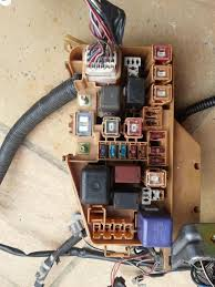 ep engine bay wiring loom diagrams fusebox the main fusebox loom connector have different colour wires making it more difficult to verify what they do