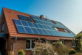 g solar panels on house