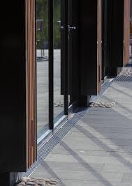 Schnittstelle Fassade Freifläche