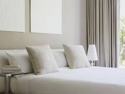 feng shui decor tips for a west facing bedroom