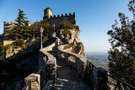 San marino san marino, completely surrounded by italy, is one of the world's smallest countries, and claims to be the world's oldest republic.the country bears the name of saint marinus, a christian stonemason who is said to have founded the country in 301 ad. Repubblica Di San Marino Fotos Facebook