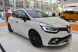 2018 renault megane rs trophy.  megane renault clio rs trophy 220 front three quarters at 2016 bologna motor show on 2018 renault megane rs trophy