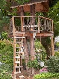 tree house decorating ideas. Garden Landscaping: Unique And Creative Themes Of Outdoor Tree House Which Is Decorated With Simple Decorating Ideas T
