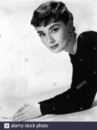 Audrey Hepburn Sabrina Stockfotos und ...