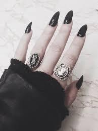 Résultats de recherche d'images pour «tumblr gothic»