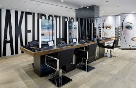 the mac makeup studio is located at 825 lexington avenue in new york