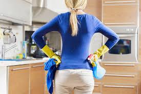 Чем <b>мыть</b> глянцевую и матовую <b>кухню</b> из пластика, мдф, дерева