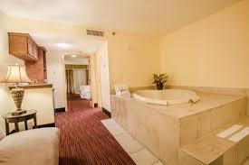 jacuzzi king suite