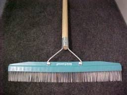 carpet rake. grandi groomer carpet rake original ab24 with handle