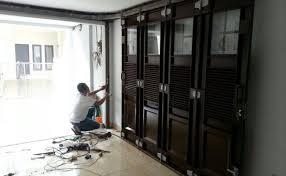 Bayangkan jika tidak ada pintu pada rumah kita, tentu saja akan memudahkan orang yang berniat jahat untuk masuk. Zeeswzrsnmfeim