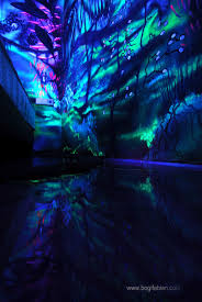 Cool Black Light Designs Artist Paints Rooms With Murals That Glow Under Blacklight
