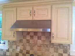 wall paint color with cream kitchen