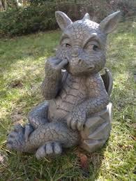 dragon garden statues. Statue De Dragon Jardin Avec Le Doigt Dans Nez: Amazon.fr: Garden Statues