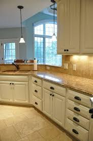 Wrap Around Kitchen Cabinets 25 Best Ideas About Cream Kitchen Cabinets On Pinterest Cream