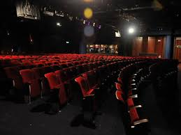 the best comedy clubs in london leicester square theatre
