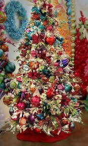 How To Decorate A Candy Cane Christmas Tree 60 Colorful Christmas Tree Décor Ideas Shelterness 43