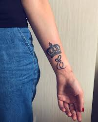 20 Ideas For Crown Tattoos