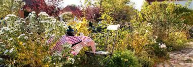 Vous emménagez bientôt dans un petit studio de 20m2 ? L Amenagement D Un Petit Jardin Idees Solutions Et Conseils