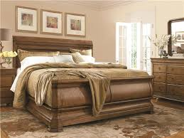Universal Furniture | New Lou | Louie P's King Sleigh Bed