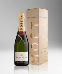 picture of moet chandon brut imperial gift box with bottle 750ml