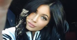 kylie jenner reveals all the s she uses in her everyday glam routine huffpost canada