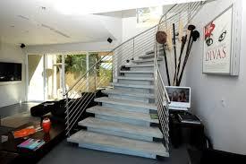 Sie schmücken gartenbereiche und sie können auf eine teure pflasterung mit granit oder klinker verzichten! Moderne Betontreppe Bauen 22 Ideen Fur Innen Und Aussentreppen