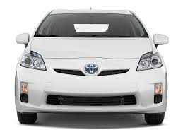 2010 Toyota Prius - Toyota Hybrid Hatchback Review - Automobile ...
