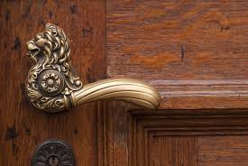 old fashioned door s lion