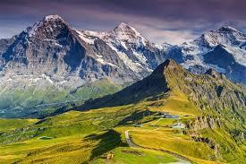 Besteigung des bekanntesten dreigestirnesder schweiz: How To Climb The Eiger