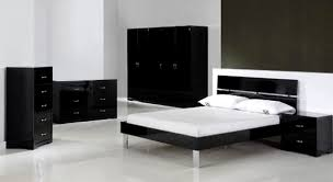 black and white furniture bedroom. Chic Black And White Bedrooms Decor Theme Ideas Furniture Bedroom