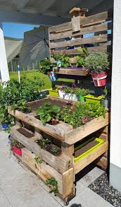 Pallet Garden Potting Bench - DIY 20 Upcycled Wood Pallet Ideas | 101  Pallets