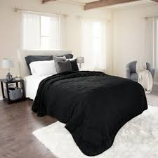 Buy Solid Color Twin Quilts from Bed Bath & Beyond & Nottingham Home Solid Twin Quilt in Black Adamdwight.com