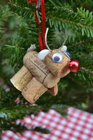 Wine Cork Rudolf- fun DIY project to attach to Christmas gifts.I like easy  wine cork projects