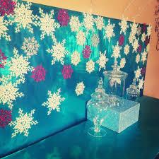 Christmas Picture Backdrop Ideas Chardonnays Soirces Diy Frozen Backdrop Frozen Party Themed