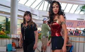 Wonder Woman 1984: Patty Jenkins Still Committed to Coming to Movie  Theaters