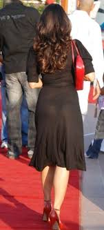 Tanisha Mukerjee 4 Chekout Tanisha Mukherjee Wardrobe Malfunction ...