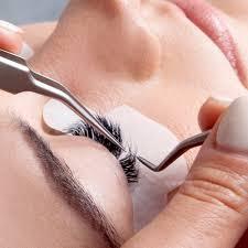 lash extensions application
