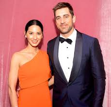 Aaron Rodgers Still Isn't Talking to His Family After Splitting From Olivia  Munn