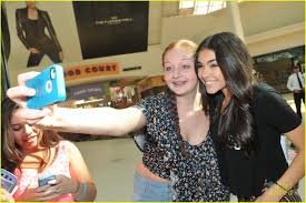 madison beer mac appearance orlando 02