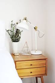 Small Bedroom Lamps 1000 Ideas About Small Bedside Lamps On Pinterest Wall Mounted