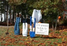 ideas outdoor halloween pinterest decorations: easy diy outdoor halloween decorations for spooky nuance spooky outdoor halloween decoration with half body