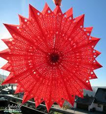 Metallische Verpackung Für Den Roten Tütenstern
