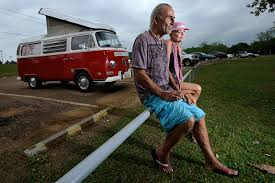 Canadian couple traveling world in VW bus make pit stop in Nacogdoches |  Features | dailysentinel.com