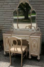 17 best ideas about painted vanity on antique painted antique vanity dressing table stuart