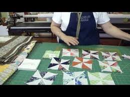 1000+ images about Crafts-Quilts-Pinwheels on Pinterest ... & Jenny from the Missouri Star Quilt Company teaches you to make pinwheels  the easy way. Adamdwight.com